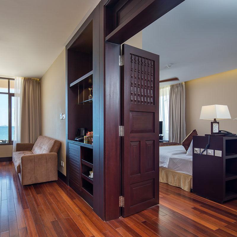 beach-front-suite-room-hoian-golden-sand-hotel