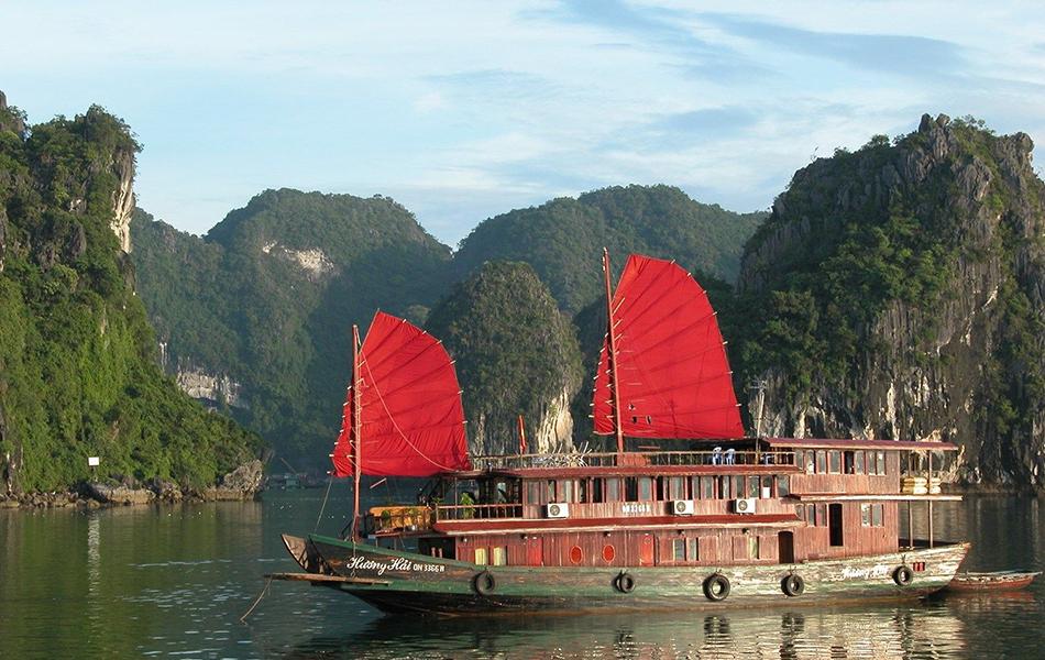 Cruise in Halong Bay 2 days