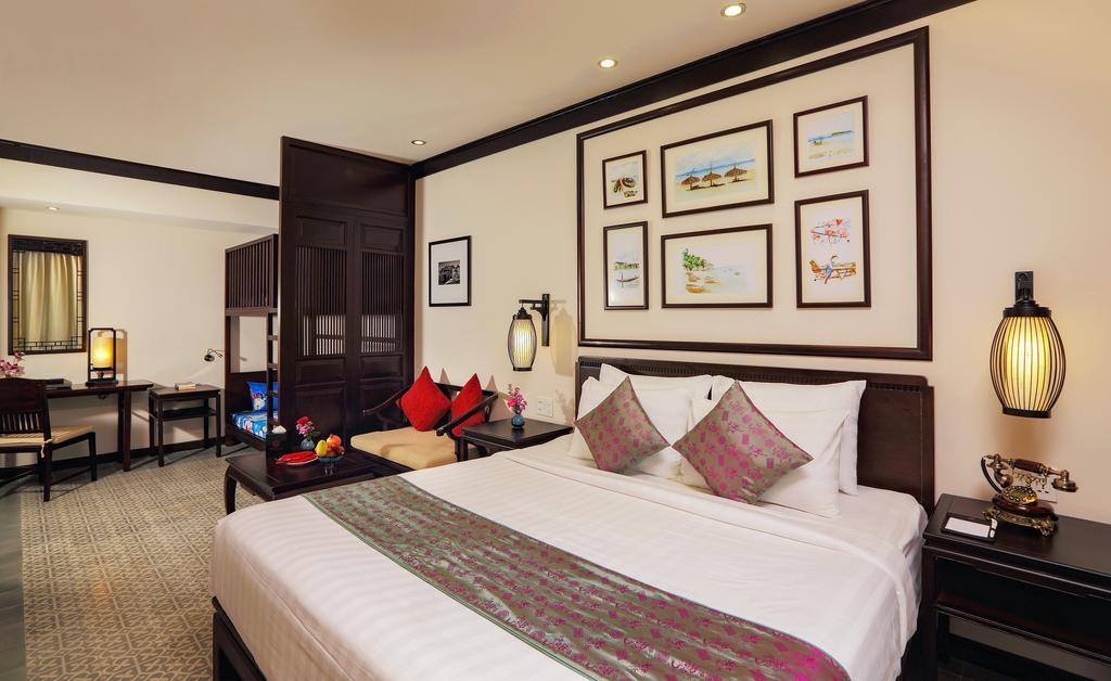 little-beach-hoian-resort-family-room