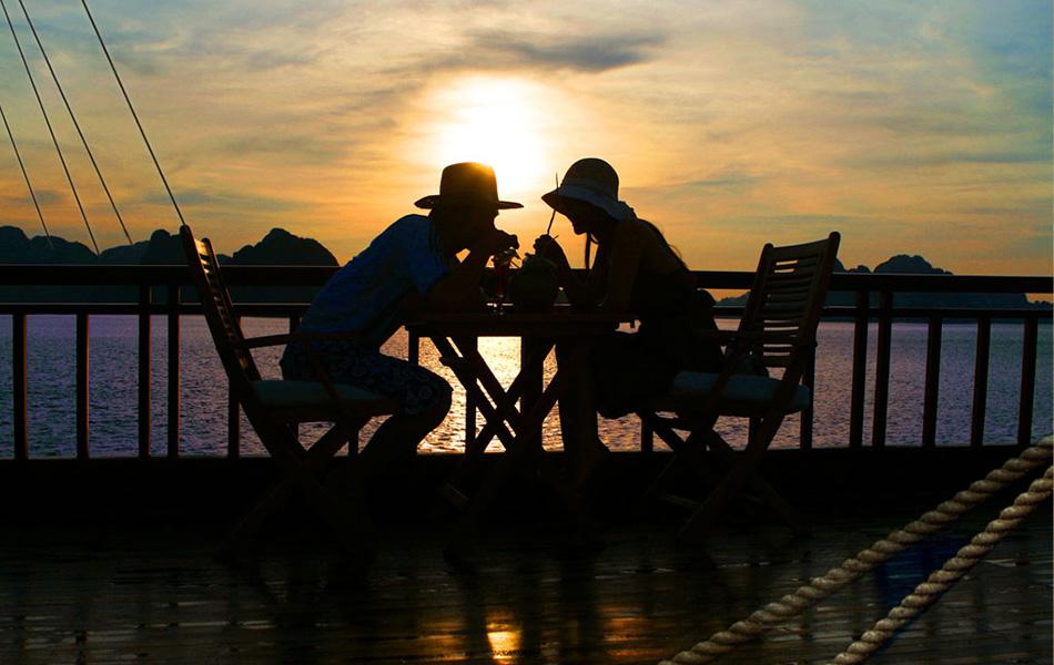 romantic-luxury-honeymoon-beach-package-16-days-5
