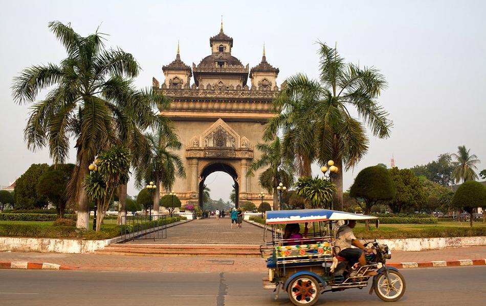 Summer escape in Laos 8 days