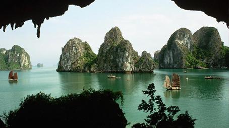 WHY VIETNAM - AN EMERGING TOURIST DESTINATION
